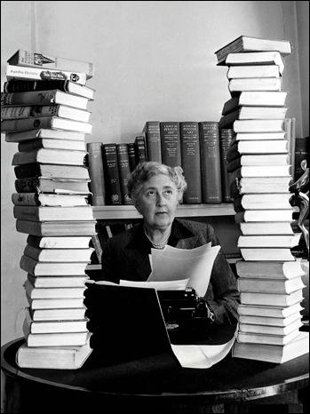 Quel événement a déclenché le goût de l'écriture chez Agatha, qui ne l'a ensuite plus jamais quitté ?