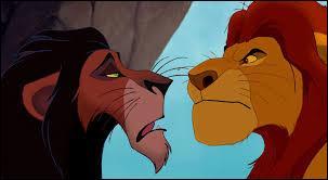 Quel est le lien de parenté entre Scar et Mufasa ?