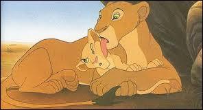 Simba aime bien s'amuser avec son amie d'enfance Nala. Comment s'appelle la mère de Nala ?