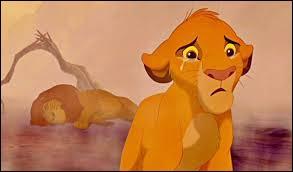 Pourquoi Simba s'enfuit-il de la Terre des lions après la mort de son père ?