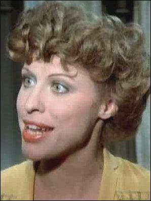 Actrice à ranger plutôt dans la comédie qui a obtenu plusieurs 1ers prix au Conservatoire National de Paris, elle a tourné pour Lautner, De Broca, Boisset, Zidi... Amie de Fellini et de Dali... Je suis ?