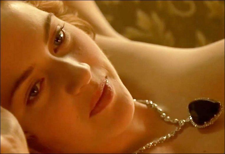 """""""Titanic"""" (1997) > Tout y était titanesque : le budget, le battage médiatique, sa longueur, l'ennui qu'il me procura... presque jusqu'à la poitrine de l'actrice ! Mais qui était-elle ?"""