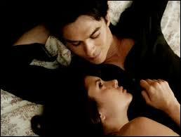 Quelle est la phrase que Damon dit à Elena ?