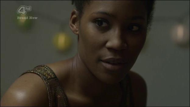 Lors de la troisième saison, Curtis obtient le pouvoir de changer de sexe, comment nomme-t-il son alter ego féminin ?