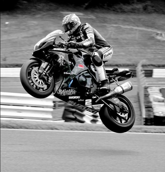 La moto est le moyen de transport le plus sûr.
