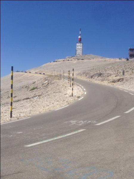 """Géographie - Quel sommet français est parfois surnommé """"le mont Chauve"""" ?"""