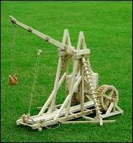 Langue française - Lequel de ces termes ne désigne pas une pièce d'artillerie médiévale ?