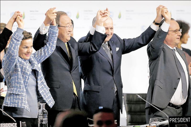 Toutes ces mains tendues sont pour l'accord historique qui, espérons le, changera le monde . Et ledit accord est...