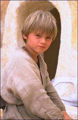 Quel âge a le jeune Anakin Skywalker ?