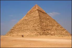 Laquelle des pyramides de Gizeh est la seule des sept merveilles du monde de l'Antiquité encore existante de nos jours ?