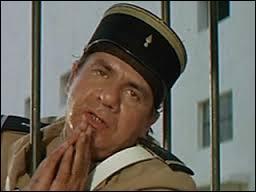 """On commence bien évidemment avec la série des """"Gendarmes"""", où il interprétait le rôle de ..."""