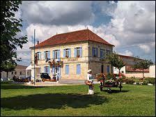 Village aquitain au bord de l'Estuaire de la Gironde, dans le Médoc, Valeyrac se situe dans le département ...