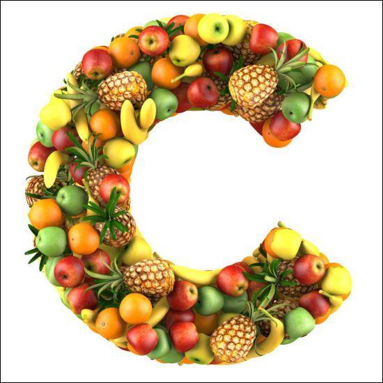 Mais dans quels fruits ou légumes retrouve-t-on la plus grande concentration de vitamine C pour 100 grammes d'aliments ?