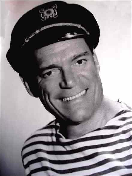 Eddie Constantine est lui né à... Bien sûr qu'il est français comme Eddy Mitchell ! En êtes-vous sûr ?