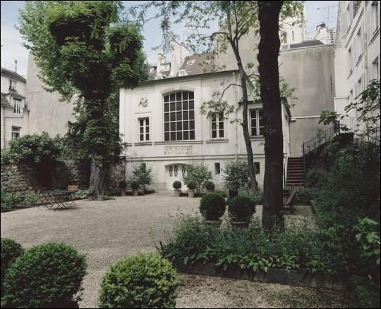 """Voici la demeure parisienne où il a vécu, il a peint """"La liberté guidant le peuple"""" :"""