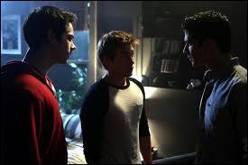 Par où Stiles, Liam et Scott entrent-ils dans Eichen House lorsqu'ils vont sauver Lydia ?