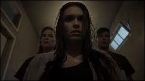À qui Lydia parle-t-elle dans sa tête à Eichen House ?