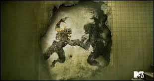 Qui dévoile le nom de la dernière chimère qui est en réalité la bête du Gévaudan ?