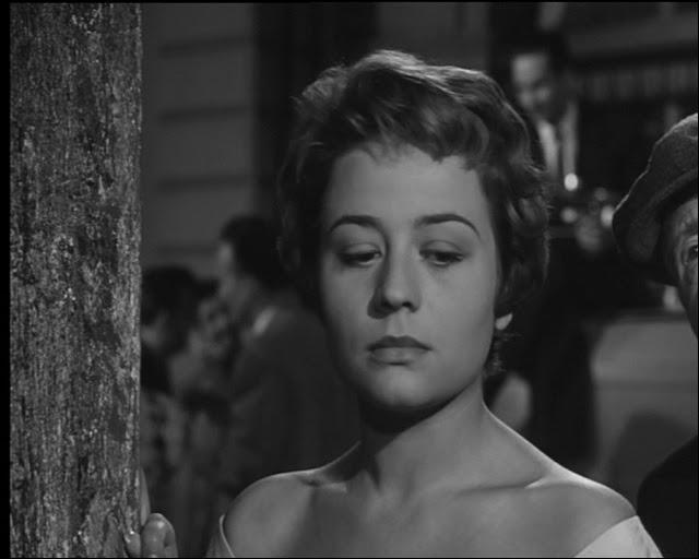 Annie Girardot joue le rôle de...