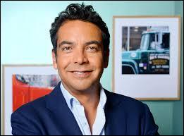 """Ce journaliste a présenté diverses émissions de radio et a rejoint en 2011 l'émission """"C à vous"""" sur France 5, il s'agit de..."""