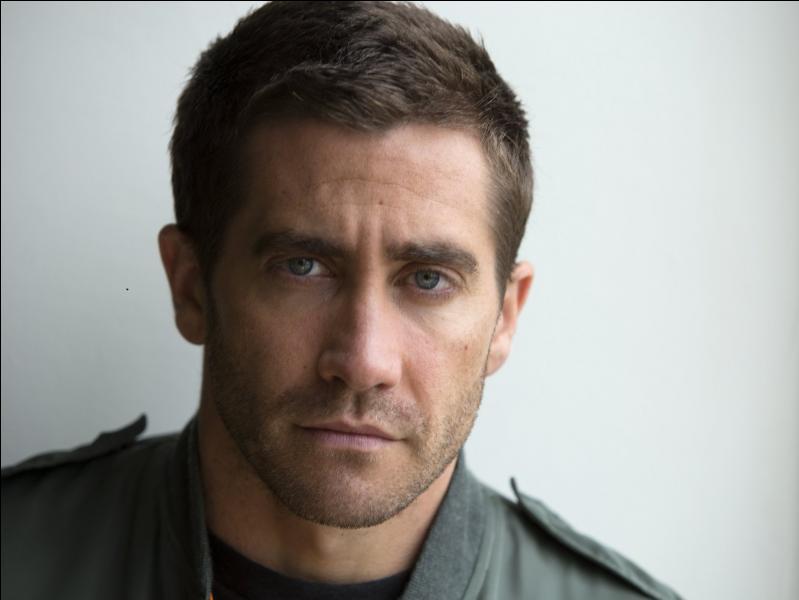 Dans ce film, Jake Gyllenhaal tient le rôle de Lou Bloom, un reporter free-lance très spécial, dont les manières de faire sortent vraiment de l'ordinaire !