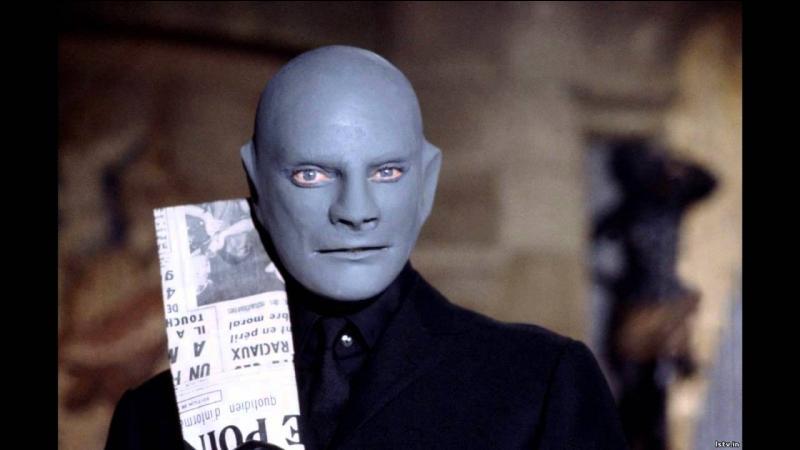 Quel est le nom du journaliste qui accompagne le commissaire Juve dans son enquête sur le criminel Fantomas, dans le film du même nom ?