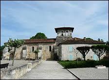 Cette balade commence à Atur. Commune de l'aire urbaine de Périgueux, elle se situe en région ...