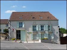 Village Meusien dans la région naturelle du Barrois, Combles-en-Barrois se situe en région ...