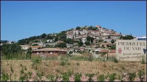 Ville azuréenne, Pierrefeu-du-Var se situe dans le département ...