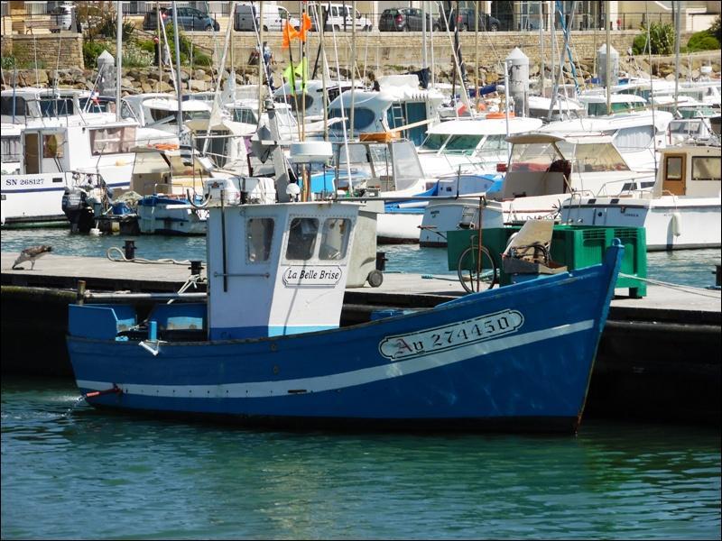 """Puissent les marins faire de belles prises sur """"La Belle Brise"""" ! Où sommes-nous, à """"AY"""" ?"""