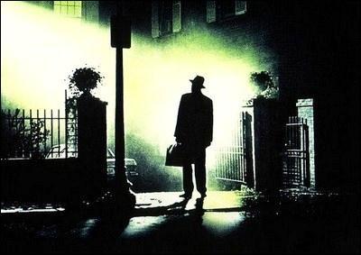 Quel est ce film d'horreur américain réalisé par William Friedkin, sorti en 1973, dans lequel une jeune fille est possédée par le Diable ?