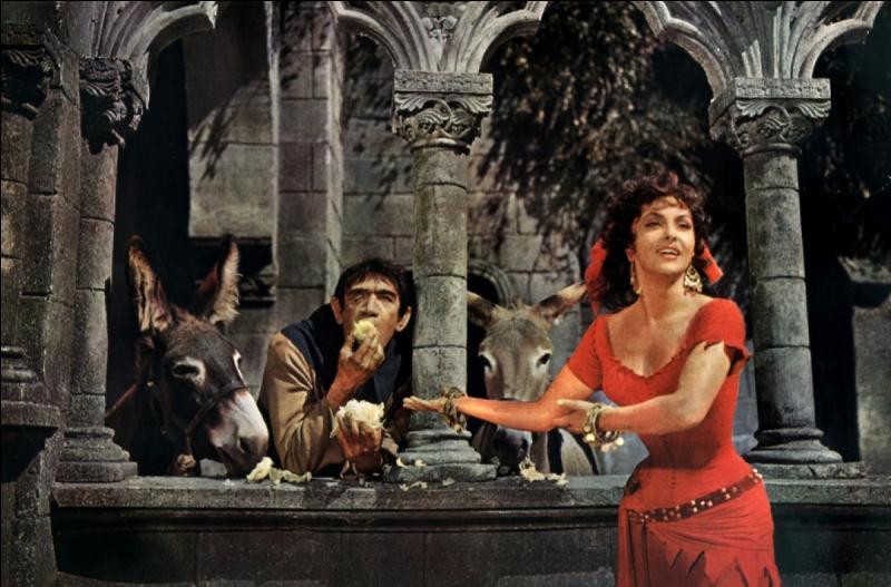 """Qui chantait, à son tour, """"Oh Lucifer, Oh laisse-moi rien qu'une fois, glisser mes doigts dans les cheveux d'Esmeralda"""" ?"""
