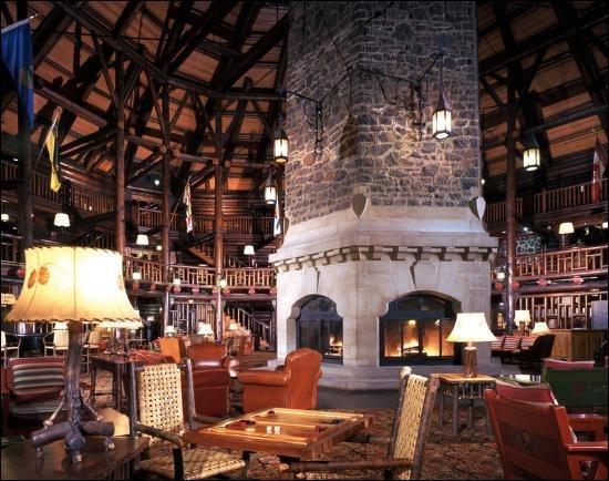 Continuons notre visite du château dans cet hiver rigoureux et allons lire un bon roman de cape et d'épée, mais où ?