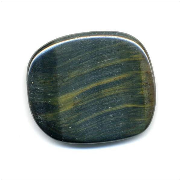 Quelle est cette pierre de la famille des quartz parée de nombreuses couleurs : jauned'or à brun, bleu, gris-bleuté, vert-bleuté.