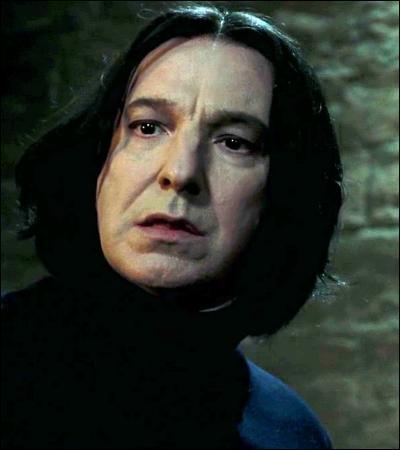 « Taisez-vous. Je ne vous ai rien demandé. Je voulais simplement mettre en lumière le manque d'organisation du professeur Lupin. »