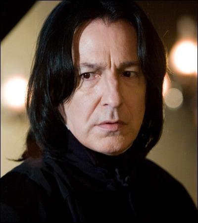 « Vous faites tous les efforts possibles pour vous donner l'illusion que le monde de la sorcellerie a les yeux tournés vers vous, mais peu m'importe combien de fois votre photo apparaîtra dans la presse. Pour moi, Potter, vous ne serez jamais qu'un petit voyou qui se croit au-dessus des règlements. »