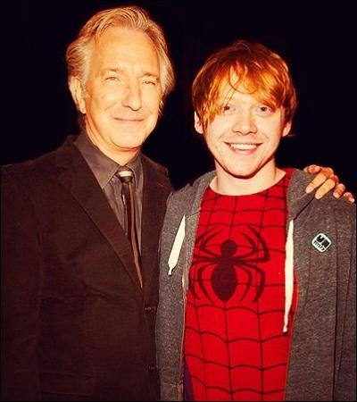 « C'est gentil à vous de venir nous voir, Potter. Dommage que vous jugiez les robes de l'école indignes de votre élégance naturelle. »