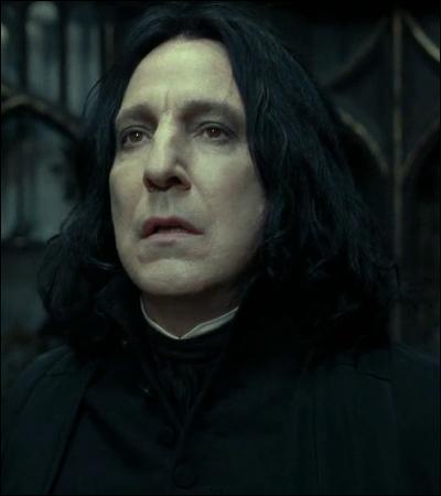 « J'ai espionné pour vous, menti pour vous, j'ai couru des dangers mortels pour vous. Tout cela devait assurer la sécurité du fils de Lily Potter. Et maintenant, vous m'annoncez que vous l'avez élevé comme un porc destiné à l'abattoir… »