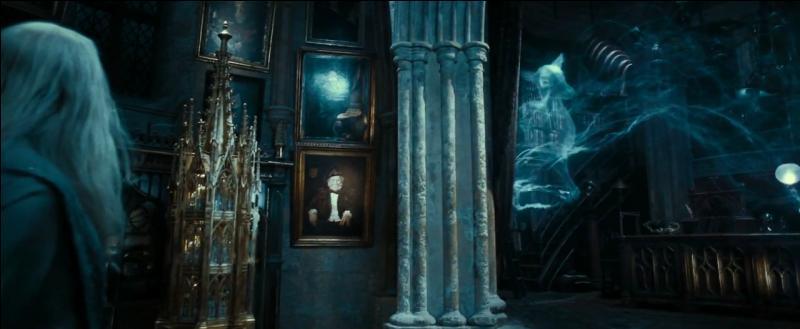 """Une des célèbres répliques de Severus Rogue restera le mot """"Always"""" (""""Toujours"""") prononcé à Albus Dumbledore. C'est une manière pour Severus Rogue de prouver son amour éternel à Lily Evans. Comment s'appelle le compositeur du morceau que l'on entend lors de cette réplique dans """"Harry Potter et les Reliques de la Mort"""" (Partie II) ?"""