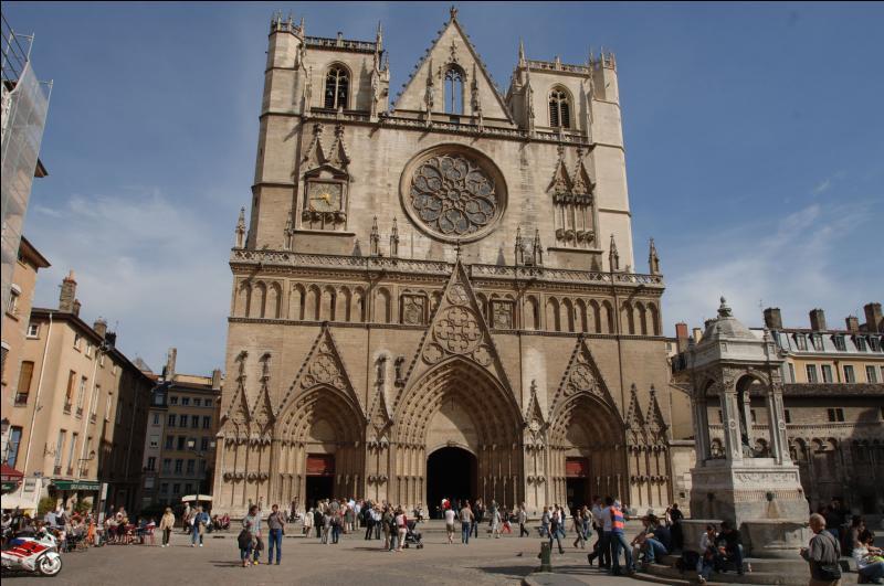 Non seulement vous pourrez visiter la cathédrale, mais avec un peu de chance, vous pourrez même tomber sur Jésus, ou Rosette, au choix !