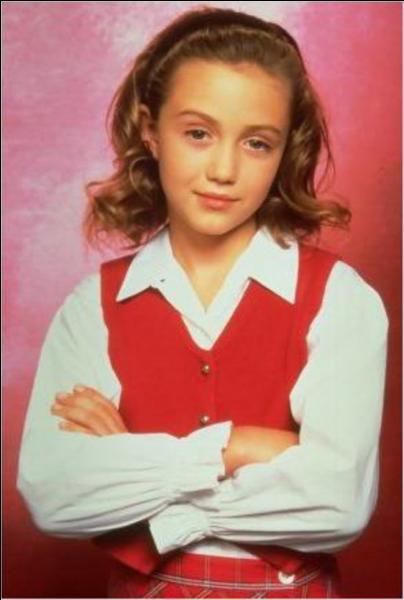 Comment s'appelle l'actrice qui joue Grace Sheffield ?