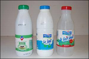 Parmi ces types de lait, lequel à un bouchon vert sur sa bouteille ?