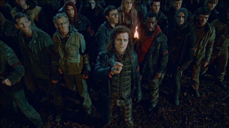 Scabior. Chef des Rafleurs, il dirige cette milice affiliée à Lord Voldemort et aux Mangemorts qui a pour objectif de traquer les sorciers Nés-Moldus. Lors de la Bataille de Poudlard, dans quelle condition est-il vaincu avec sa troupe ?