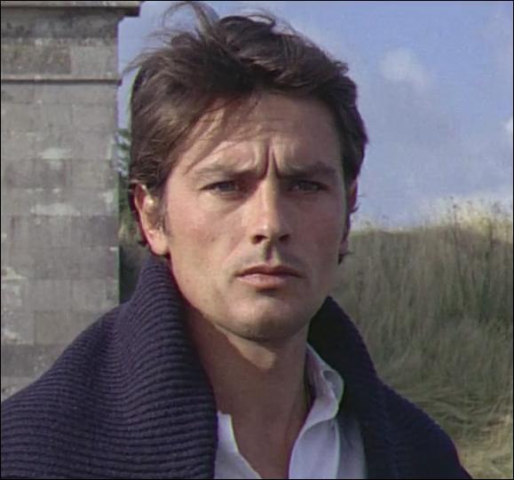 """Partenaire de Lino Ventura dans """"Les aventuriers"""", c'est ..."""