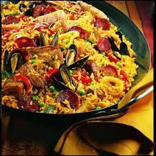 Il ne vous sera pas difficile de reconnaitre ce plat traditionnel de ce pays méditerranéen dont la capitale porte le nom de ...