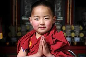 Qu'il semble serein ce jeune moine, bien loin des turpitudes que connait son pays avec la Chine. La capitale correspondante est :