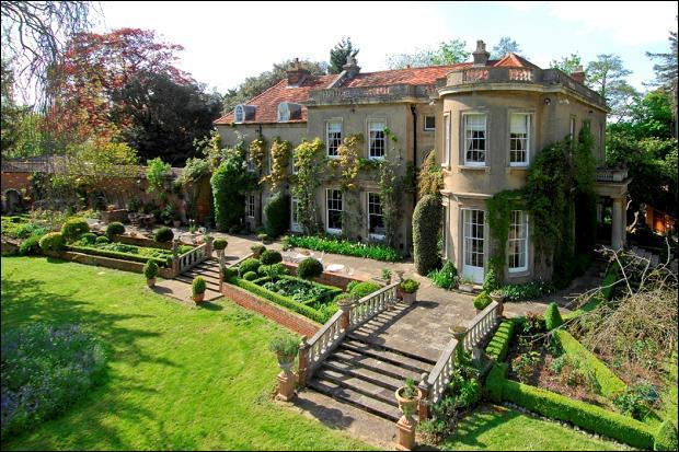 C'est à Sonning Eye que vous pouvez admirer la magnifique demeure de George Clooney, dans l'Oxfordshire :