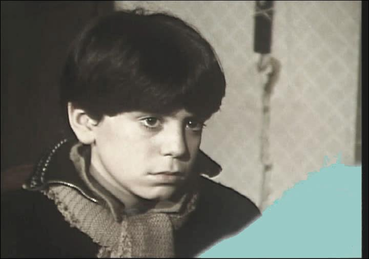 """Cet enfant est Jeremy Covillaut qui jouait en 1988 dans le film de Michel Subiela """"Maigret et le témoignage de l'enfant de choeur"""". Qui tenait le rôle de Jules Maigret ?"""