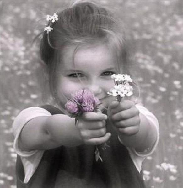 """Qui chantait """"Tu te trompes petite fille si tu me crois desespéré, la nature a horreur vide...."""""""