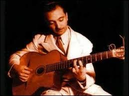 Django Reinhardt a joué du violon avant de passer à la guitare.